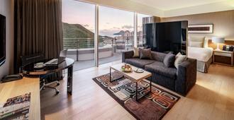 Nina Hotel Island South - Hong Kong - Living room