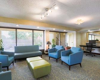 Days Inn by Wyndham Newark Wilmington - Newark - Lounge