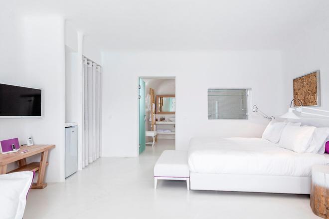 Charisma Suites - Oia - Habitación