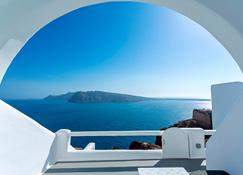 Charisma Suites - Oia - Ban công