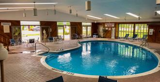Quality Inn and Conference Centre Festival - Stratford - Piscina