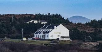 Carey's Viking House Hotel - Kincaslough