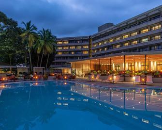 Radisson Blu Mammy Yoko Hotel Freetown - Freetown - Pool