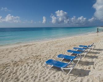 Hotel Pelicano - Cayo Largo del Sur - Playa