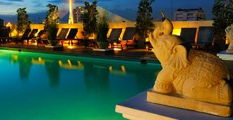 Rambuttri Village Inn & Plaza - Bangkok - Pool