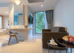 Centara Sonrisa Residences & Suites Sriracha - Chonburi - Living room