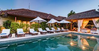 Aleesha Villas - Denpasar - Pool