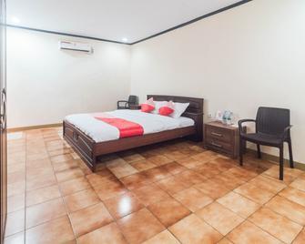 OYO 1688 Collin Beach Hotel - Ambon - Ložnice