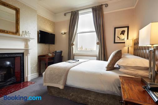 Dorian House - Bath - Bedroom