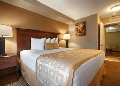 Best Western Pasadena Royale Inn & Suites - Pasadena - Bedroom