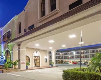 Best Western Pasadena Royale Inn & Suites - Pasadena - Building