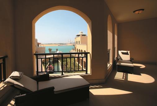 Shangri-La Hotel Qaryat Al Beri, Abu Dhabi - Abu Dhabi - Parveke