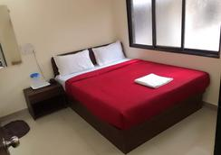 Hotel Saffron Inn - Mumbai - Bedroom
