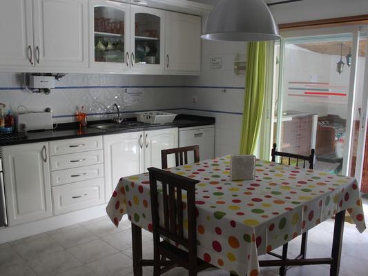 Ericeira Chill Hill Hostel & Private Rooms - Эрисейра - Ресторан