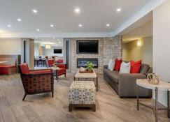 Comfort Inn Oshawa - Oshawa - Living room