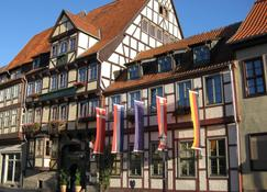 Hotel Zur Goldenen Sonne - Quedlinburg - Building