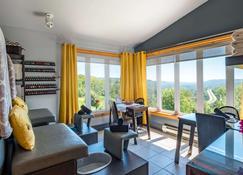 Hotel Mont-Gabriel - Sainte-Adèle - Living room