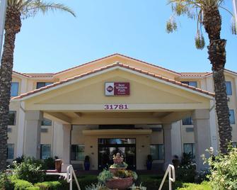 Best Western Plus Lake Elsinore Inn & Suites - Lake Elsinore - Gebäude