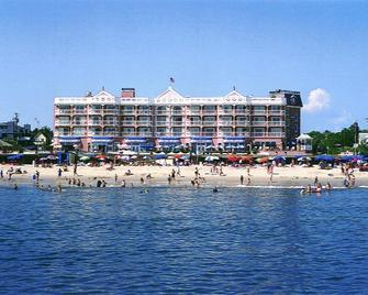 Boardwalk Plaza Hotel - Rehoboth Beach - Building