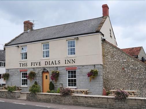 The Five Dials Inn - Ilminster - Building