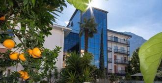Hotel La Perla - Riva del Garda - Building