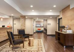 Country Inn & Suites by Radisson Flagstaff, AZ - Flagstaff - Lobby