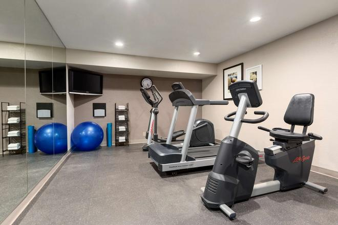 Country Inn & Suites by Radisson Flagstaff, AZ - Flagstaff - Gym