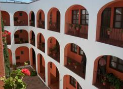 Hotel Amealco - Amealco de Bonfil - Building