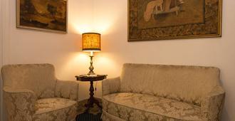 Minerva B&B - Rome - Living room