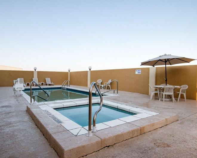 Comfort Suites San Angelo - San Angelo - Bể bơi