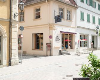 Weinbar und Hotel FahrAway - Volkach - Gebäude