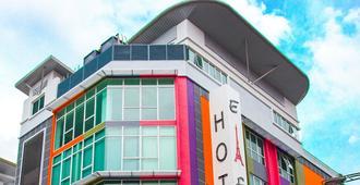 Eiffel Hotel Kelana Jaya - Petaling Jaya