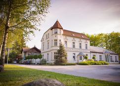 Hotel Waldschlösschen - Kyritz - Building