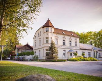Hotel Waldschlösschen - Kyritz - Edificio