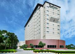 Radisson Gurgaon Udyogvihar - Gurgaon - Building