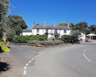 The Red Lion At Llanasa - Holywell - Building