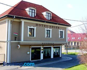 Adler Hotel - Budaors - Building