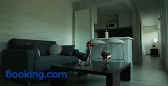 Entre Pinos Eco Box Apart - Punta del Este - Living room