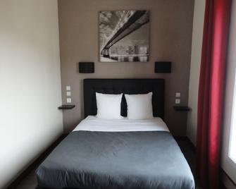 Hôtel Des Deux Gares - Auxerre - Bedroom