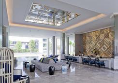 曼谷沙吞U飯店 - 曼谷 - 大廳