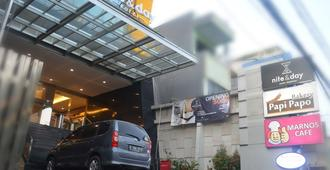 Nite & Day Jakarta - Bandengan - North Jakarta - Edifício