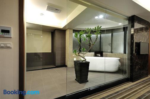 Sun Sweet Hotel - Yilan City - Bathroom
