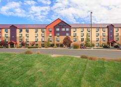 TownePlace Suites by Marriott Farmington - Farmington - Building