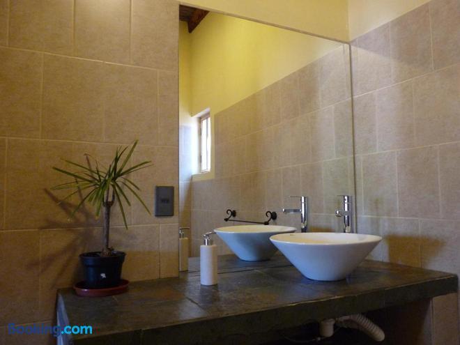 Hostal y Cabañas Renta House San Pedro - San Pedro de Atacama - Bathroom