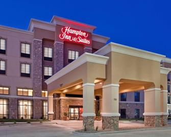 Hampton Inn & Suites Dickinson ND - Dickinson - Building