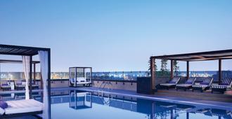 Pullman Dubai Creek City Centre - Dubai - Pool