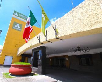 Hafersons Inn Hotel & Suites - Madero - Gebäude
