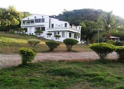 Villa Alfonsina - Villa Isabela - Building