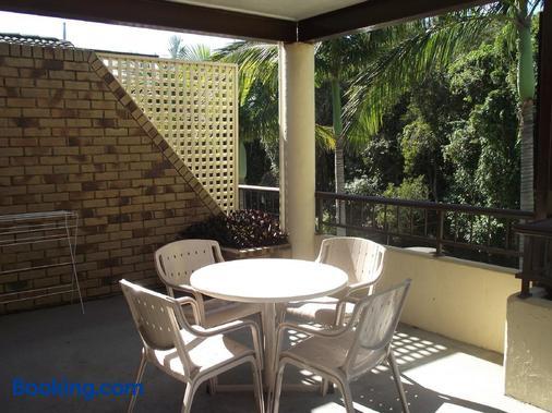 Byron Bayside Central Studio Apartments - Byron Bay - Balcony