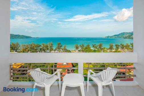 Andaman Beach Suites Hotel - Patong - Balcony